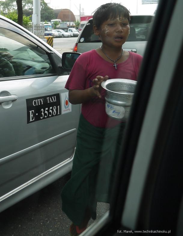 Yangon_poorBoy